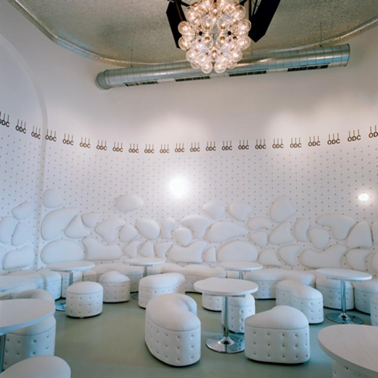 La zona lounge. foto Lea Titz e Thomas Schaner