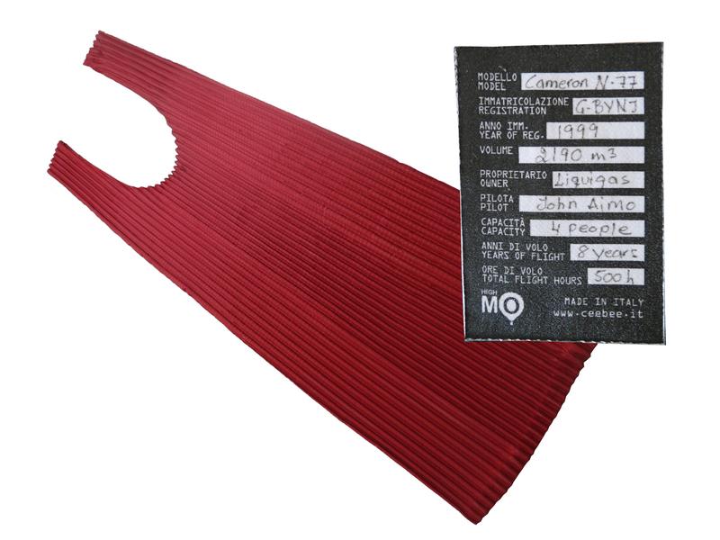 Ogni borsa Aimo è accompagnata dal certificato di volo della mongolfiera con la quale è stata realizzata