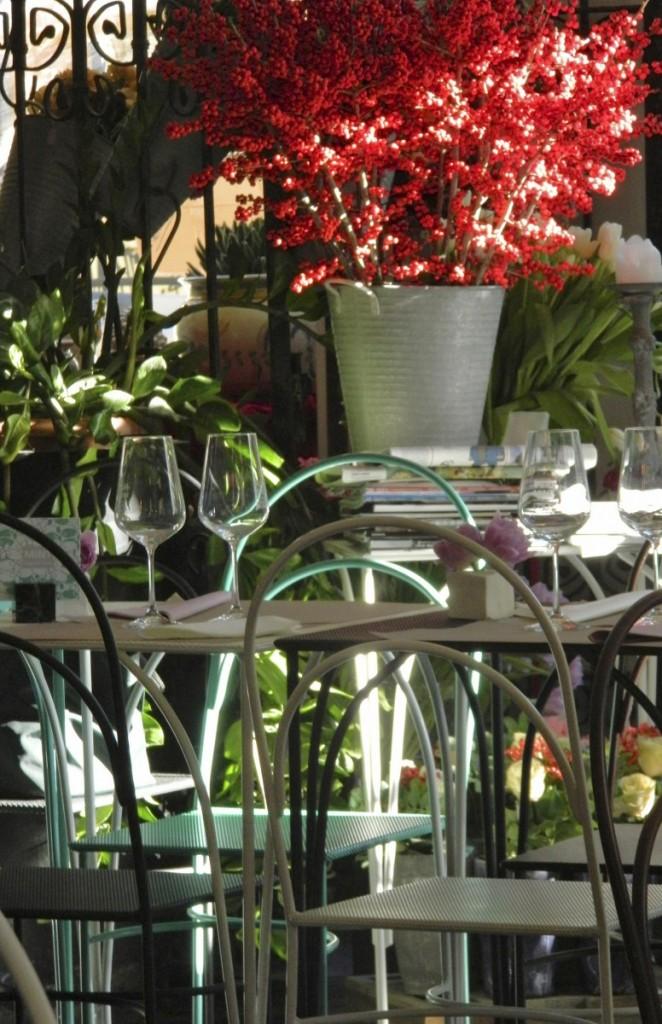Tavolini e sedie in ferro battuto