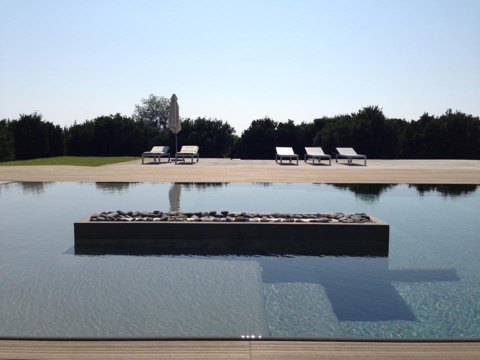 La suggestiva piscina